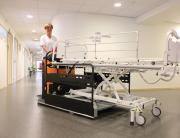 Multischlepper für Bettentransport in Krankenhäusern